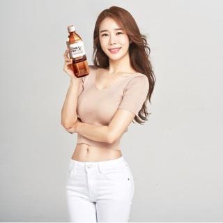 ユ・インナ、飲料ブランドのモデルに抜擢・・・健康的なスタイル誇示。
