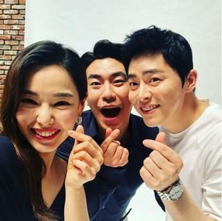 俳優チョ・ジョンソクの近況写真が公開される!歌手GUMMYとの結婚発表後初!
