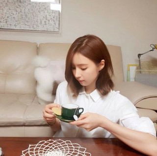 女優シン・セギョン、愛犬たちと穏やかなティータイム・・・は失敗!?