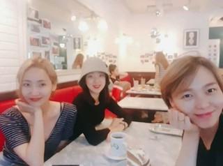 「Wonder Girls」の元メンバー、ソネ、イェウン、ヘリムが再会を果たす♪