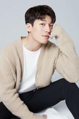 今話題の新人俳優ウィ・ハジュンがドラマ「あの日のコーヒー」で初主演!