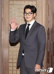 俳優ユン・ゲサンが新作映画の主演にキャスティング確定!