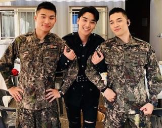 「BIGBANG」V.I、入隊中D-LITE&SOLとの3ショット披露!