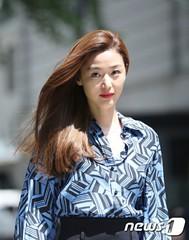 女優チョン・ジヒョン、復帰作はホン姉妹の新作ドラマか!?~ただいま検討中~
