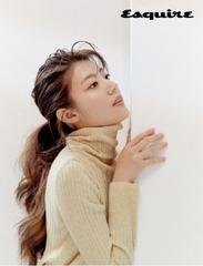 ナム・ジヒョン、魅惑的な魅力を見せたグラビアを披露!