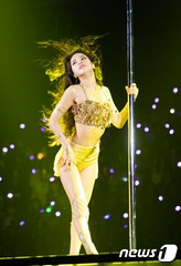 「MAMAMOO」ソラ、一人だけダンスを間違えた時の表情が話題。
