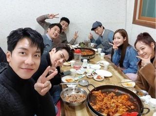 イ・スンギ、「EXO」セフン、パク・ミニョン、アン・ジェウク豪華メンバーでの会食現場!