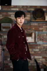 「B1A4」ジニョン、主演映画『僕の中のあいつ』公開を控えてD.O.へライバル心!?