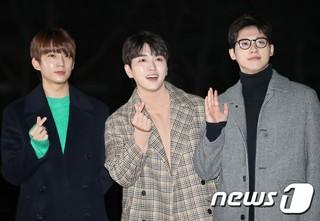 「B1A4」、3人組となって初のファンミーティング開催!会場は涙に包まれる。