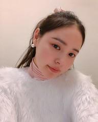 SOLと結婚1周年♥ ミン・ヒョリン、セルフィーを公開!