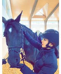 チャン・ドンゴンの妻コ・ソヨン、乗馬姿もとびっきり優雅に!