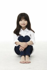 天才子役シン・リナ、チュ・ジフンの姪役でドラマ「アイテム」に出演決定!
