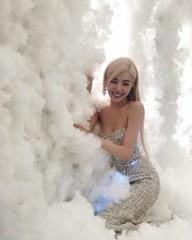 「少女時代」出身ティファニー、雲の中の本当の天使?